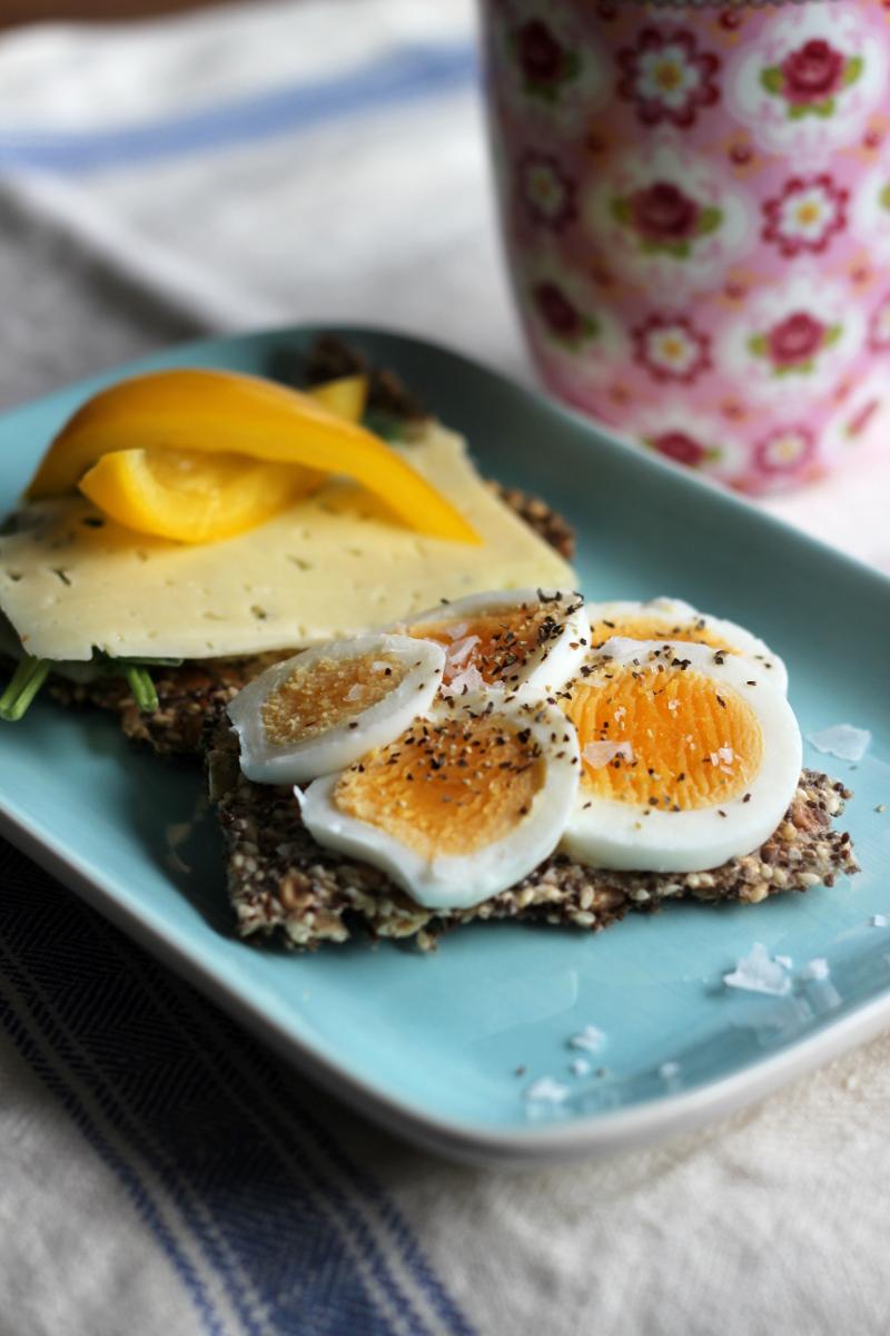 Nygräddat chiaknäcke med en kokt ägg eller ost - så gott!