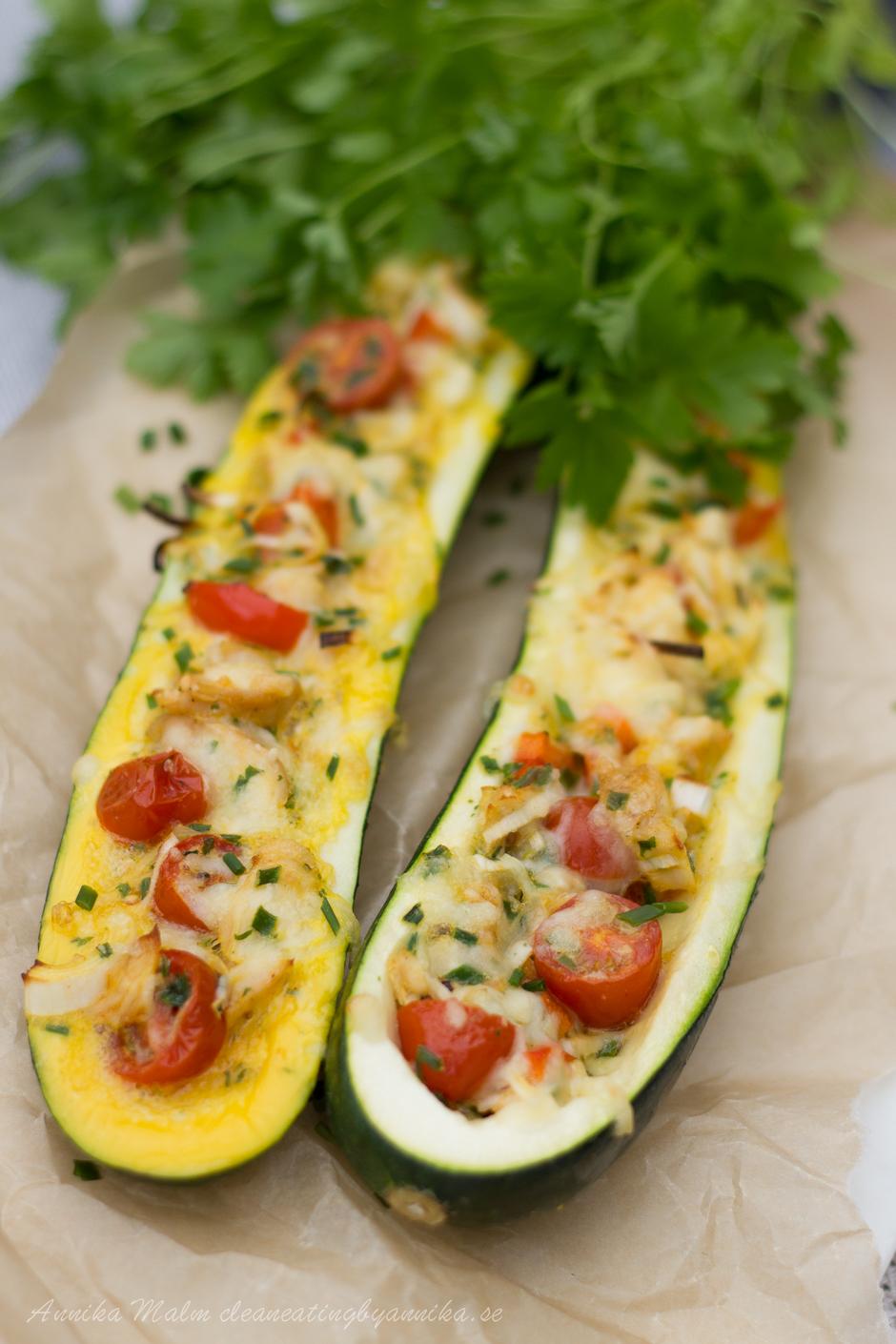 fylld zucchini kyckling lchf paleo primal