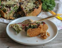 glutenfri grönkålspaj med valnötter och cheddar
