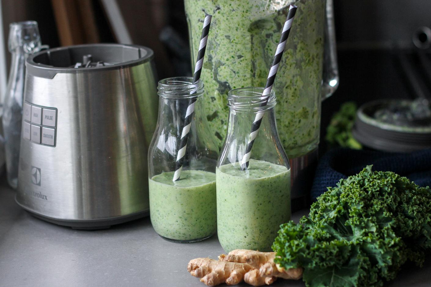 grön smoothie med grönkål